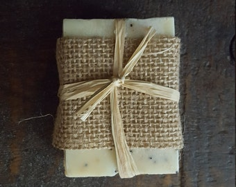 Poppyseed, Almond & Sandalwood Exfoliating Soap