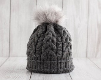 Soft and comfortable knitted winter hat, Fleece lined hat, Grey hat with pompon, Soft knitted hat, Bobble hat, Hat with pom pom, Faux fur