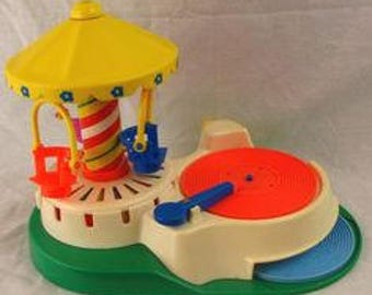 VTG Fisher Price Musical Carousel  & 3 Discs in Great Used Condition