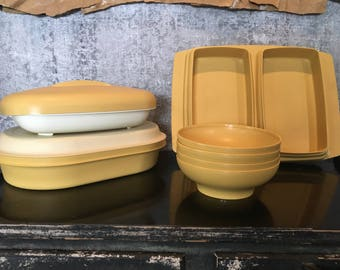 Harvest Gold Tupperware Lot 11 pieces