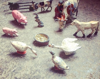 Set of 12 farm Quiralu - old toys - Vintage figurines. 1930/1940