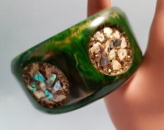 RARE Bakelite Green Bracelet with Inset Abalone Shells