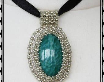 """Anhänger """"Cassandra"""" - Bead embroidery (Perlenstickerei)"""