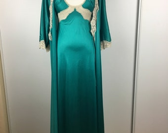 Vintage Vanity Fair Green Nightgown & Robe Size 32 S | '70s Lingerie Set