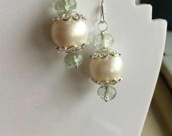 Pearl and green Amethyst earring