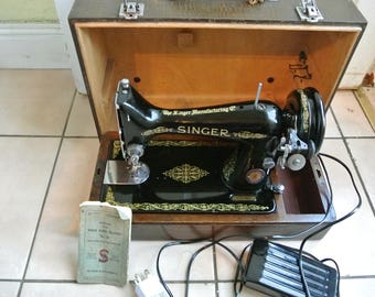 Vintage 99K Singer Sewing Machine with Booklet