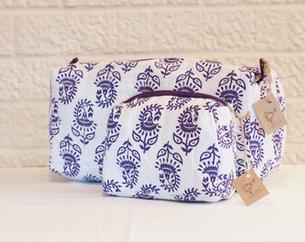 Wash bag / cosmetic bag set