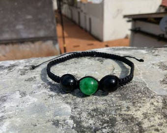 Black Macramearmband with green jade