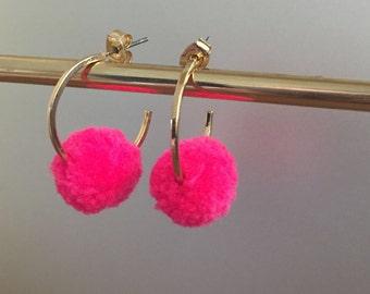 New mini Hot Pink Poms