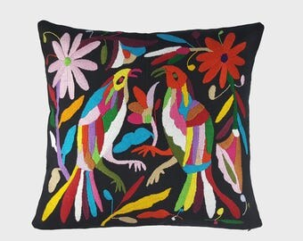 Loros - Otomi Hand Embroidered Pillow