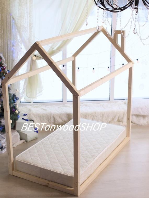 lit bebe maison