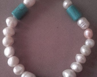 Vintage bracelet with Pearl and turquoise pieces of recycling