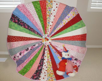 Circle Quilt with Hearts
