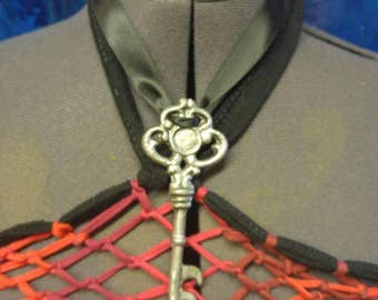 Distressed Skeleton Key Necklace