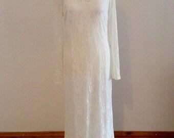 Vintage Lace White Full Length Wedding Dress. Size 14