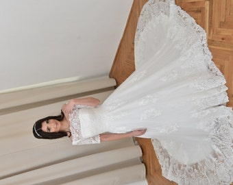 Vintage lace wedding dress long sleeve wedding dress
