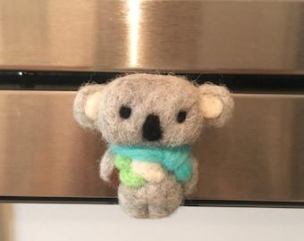 Neddle Felt Koala Magnet, Cute Wool Koala Magnet with a Scarf and Leaf, Animal Gift Magnet Handmade