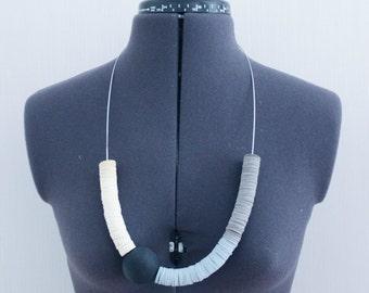 PAPER necklace .10