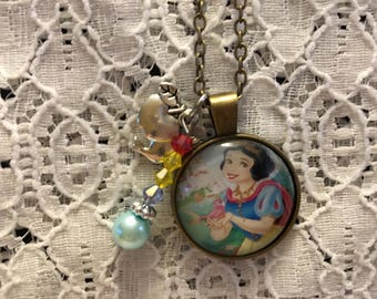 Snow White Charm Necklace/Snow White Jewelry/Snow White Necklace/Snow White Pendant/Disney Princess Jewelry/Princess Jewelry/Snow White