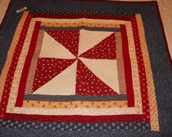 A20 Red/white/blue quilted table topper