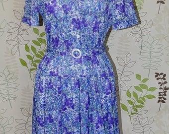 Lovely 1940/50's style floral tea dress, day dress, land girl dress, garden party dress, holiday dress, summer dress by Deanes
