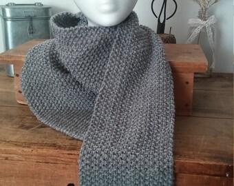 Foulard laine, foulard gris, fait à la main, foulard hiver, foulard adulte