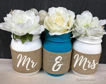 Mr and Mrs Mason Jars // Wedding Centerpieces // Mason Jar Home Decor // Mason Jar Centerpieces // Burlap Mason Jars // Cabin Decor