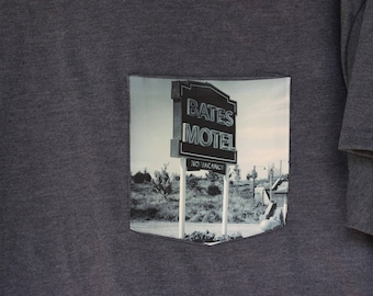 Bates Motel - Psycho - Pocket T-Shirt