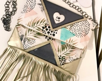 Printed fabric clutch