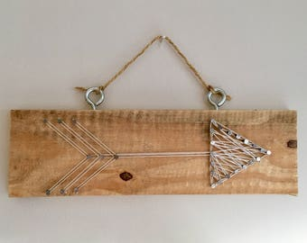 ARROW Strong art wall hanging