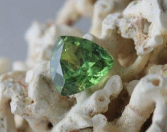 Demantoid garnet 1,25 carat- natural gemstone