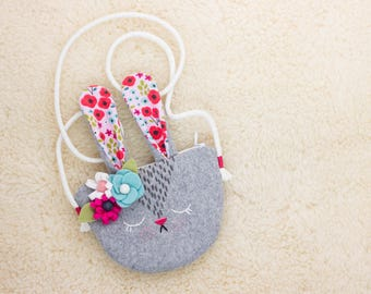 Bunny handbag for little girl, cotton wool cashmere, close with a zipper. Pouch to hide treasures and secrets. Rabbit purse for little girl
