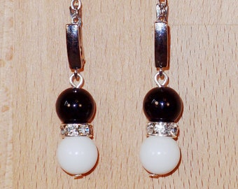 Earrings with agate