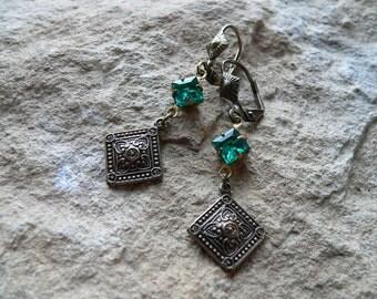 Earrings * Orient in green * 1001 night bright emerald green, Oriental, vintage