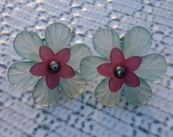 Lucite Flower earrings, dangle flower earrings, Flower earrings, Lucite Earrings, large beaded earring, elegant earrings, gift for her
