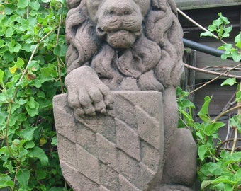 Q 04 art antique sandstone look sculpture lion shield Bavaria