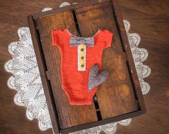 Newborn Romper with bow-tie and heart stuffy - Photography Prop