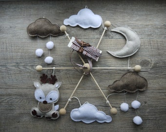 """Mobile baby felt """"The deer in the clouds"""", white and taupe"""