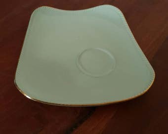 "Australian made, fine china, ""WESTMINSTER"" replacement tennis set plate in GREEN"