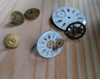 Ring made of a watch dial with cogs