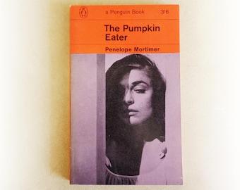 Penelope Mortimer - The Pumpkin Eater - Penguin vintage paperback book - 1964