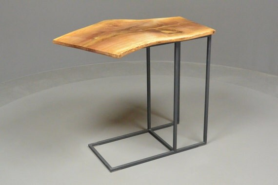 Petite table tablette d 39 appoint en fer forg et noyer - Table d appoint fer forge ...