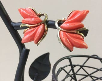 Orange Leafy Bakelite Vintage Earrings Gold Tone Accents Clip Ons