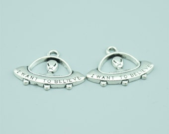 10pcs 23x31mm Antique Silver I Want To Believe Charm Pendants,UFO Charm Pendants,Alien Charm Pendants ZLJ021