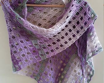 Scarf wing in shades of lilac and grey