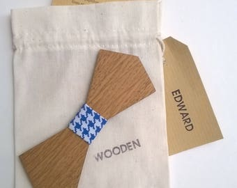 EDWARD. Bow tie oak wood, coated with a blue Rooster foot fabric. Father's day. For men. Chic and original gift