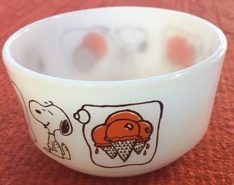 Ice Cream Bowl - Snoopy Anchor Hocking Fire King Sweet Dreams (USA)