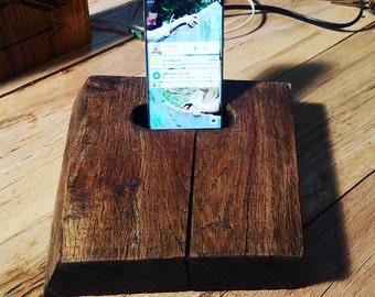 Knotty Phone Docks
