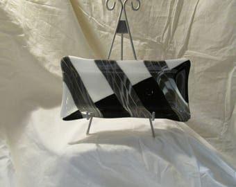 Black & White series/Set:  8x4 Fluted rectangle dish