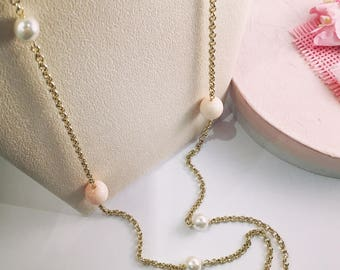 Pink coral and pearls golden necklace long.